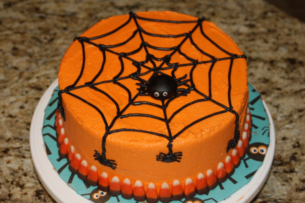 Spoooky spiderweb cake yum kate wood - Deco citrouille pour halloween ...